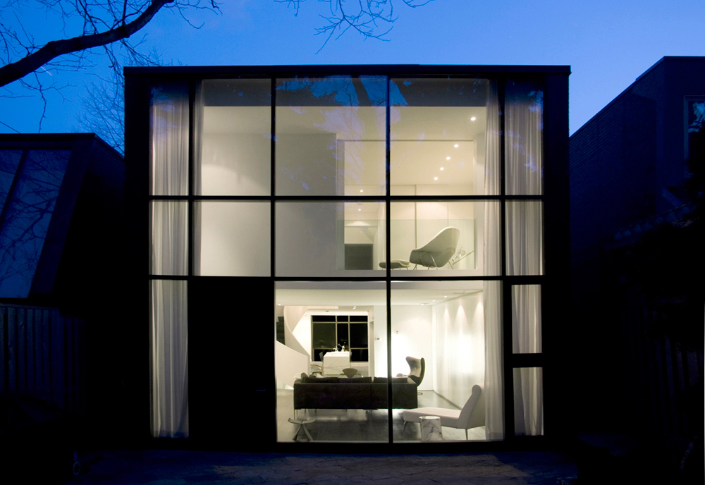 Vách tường bằng kính - vẻ đẹp cho ngôi nhà hiện đại