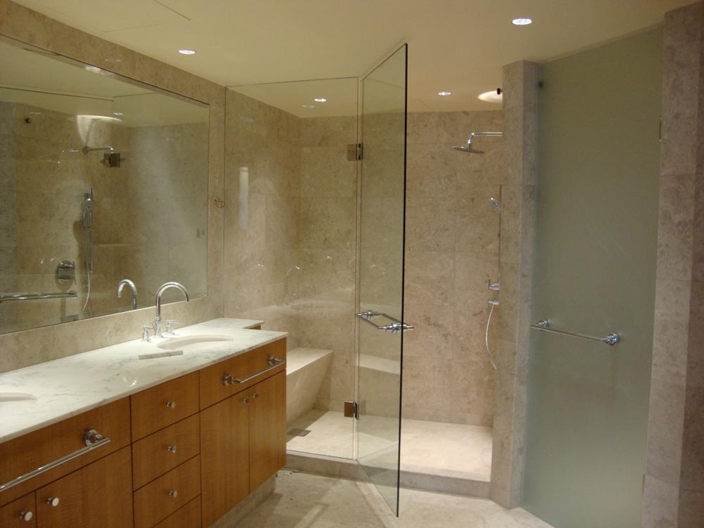 Cửa kính cho nhà vệ sinh đẹp, sang trọng và hiện đại hơn.