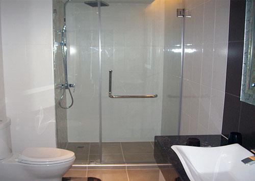 thi công vách kính tắm giá rẻ tại quận 4 ,quận 5 ,quận 6 hcm