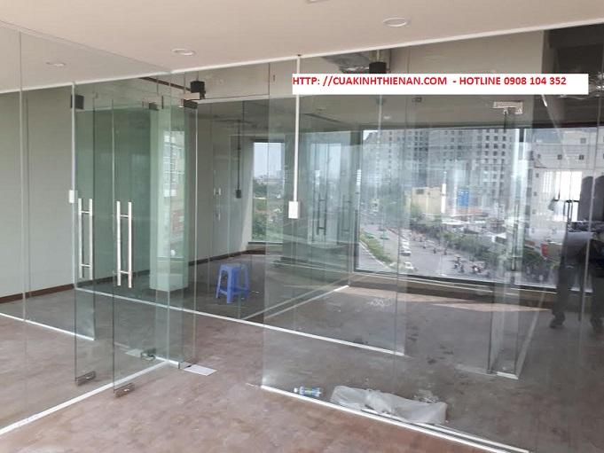 Báo giá cửa kính văn phòng giá rẻ nhất tại TP.HCM
